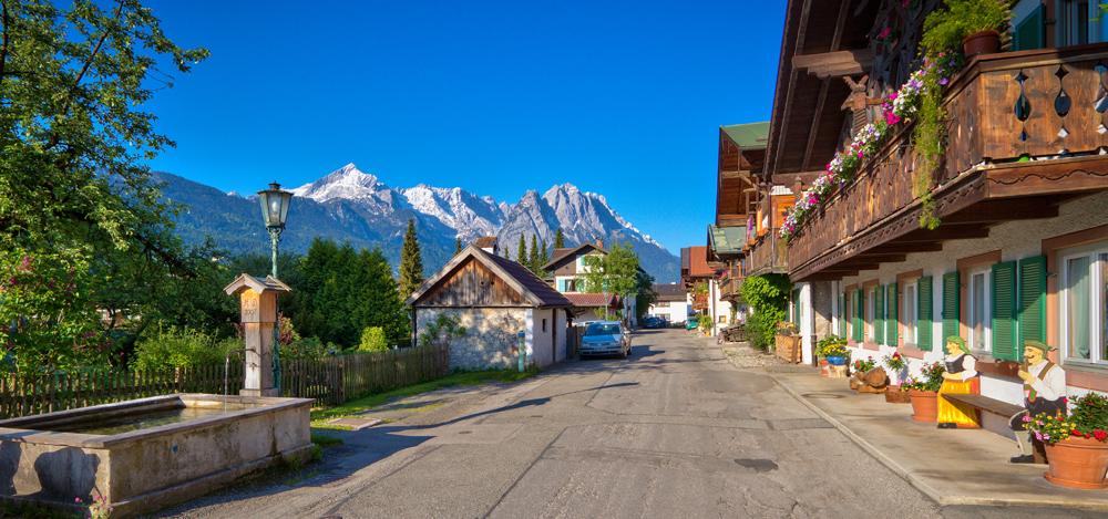 Straße im historischen Garmisch