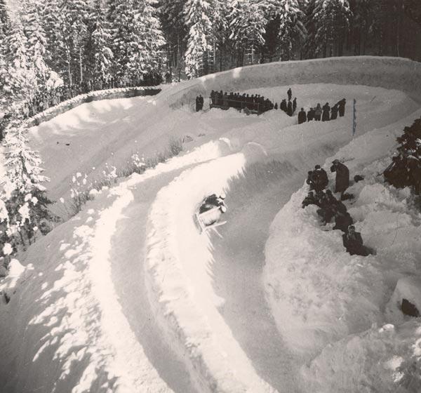 Historisches Bild der Olympia-Bobbahn Garmisch-Partenkirchen