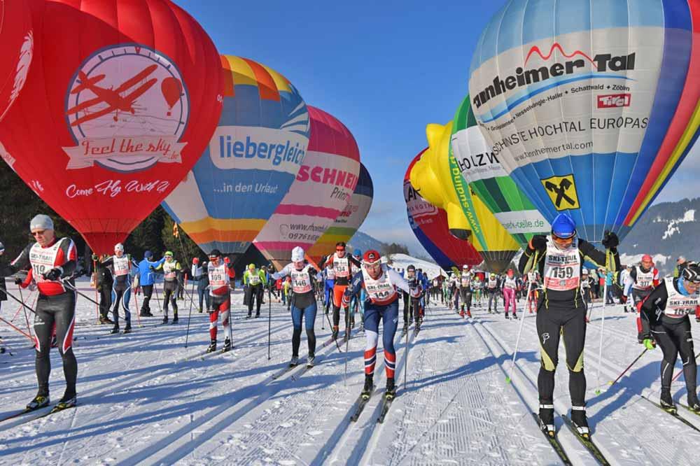 Langläufer beim Ski Trail im Tannheimer Tal