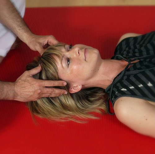 Eine Patienten genießt die japanische Yumeiho-Massage