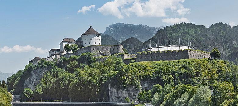 Blick auf die Festung über der Stadt Kufstein