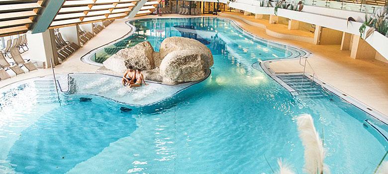 Blick in den Schwimmbereich des Olympia Sport- und Kongresszentrums Seefeld