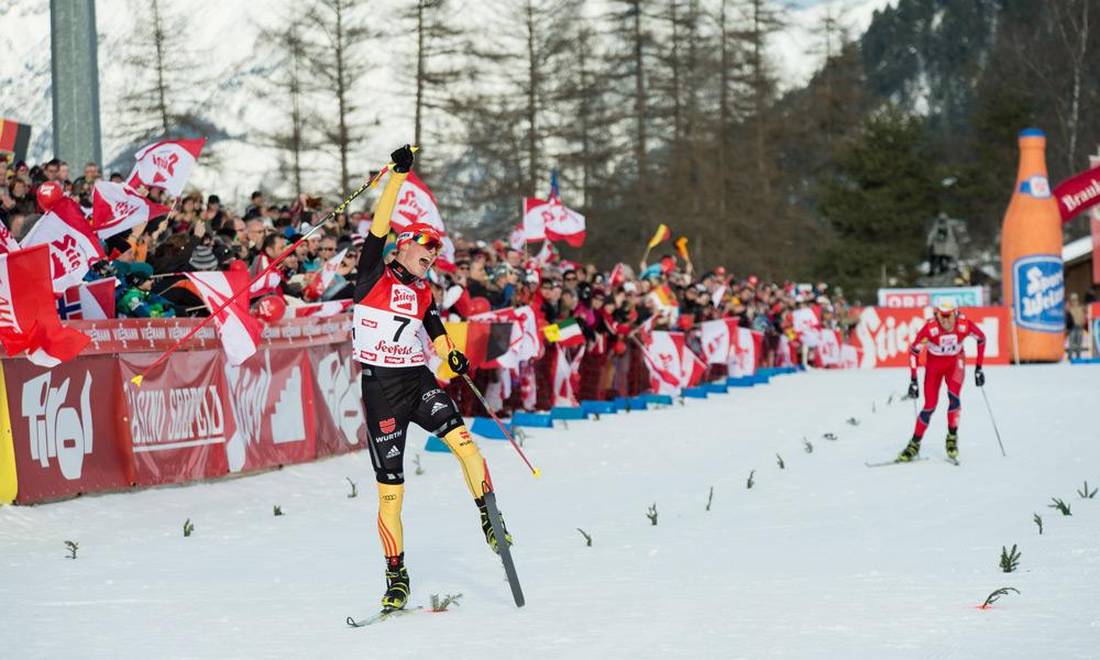 Zieleinlauf beim Nordic Combined Triple