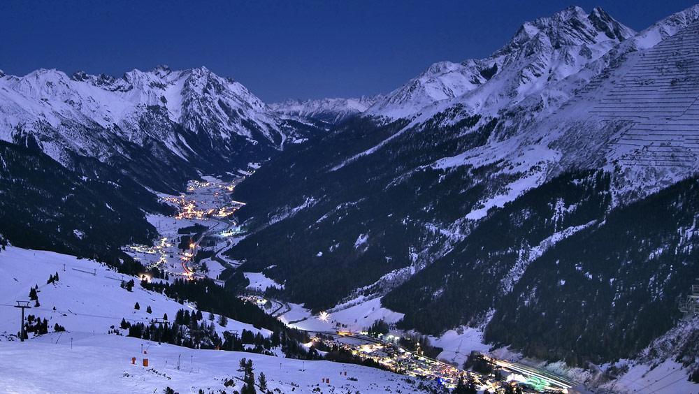 Dämmerung über St. Anton am Arlberg