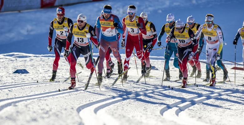 Langläufer bei der Tour de Ski in Oberstdorf