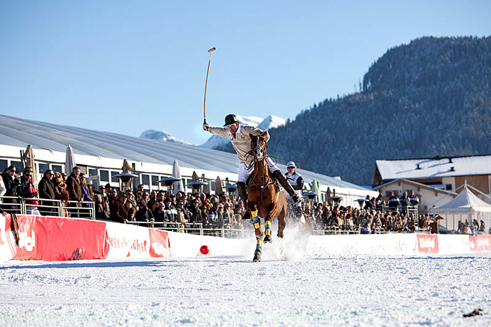 Polospieler beim Snow Polo World Cup in Kitzbühel
