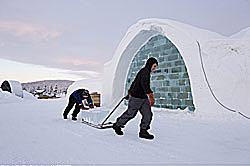 Bau des Eishotels