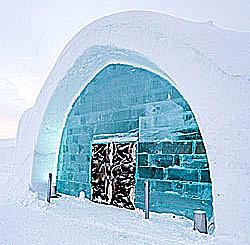 Eingang des Icehotels in Jukkasjärvi Schweden