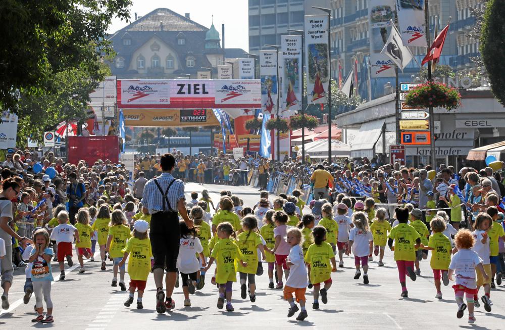 Kinder beim Minirun der Jungfrau-Region