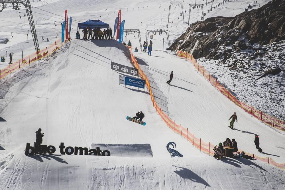 Contest im Snowpark des Kaunertaler Gletschers während des Kaunertaler Openings