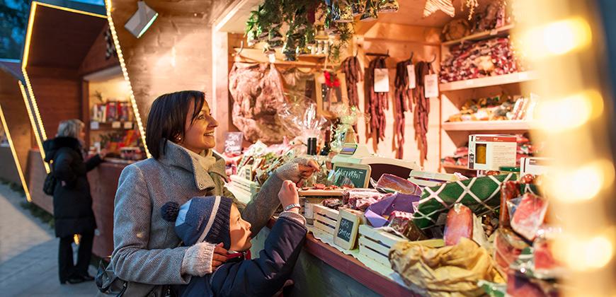 Weihnachtsmarktstand in Meran