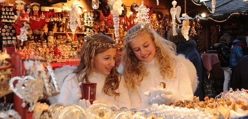 Christkinder auf dem Weihnachtsmarkt in Bruneck © Martin Trinkhauser