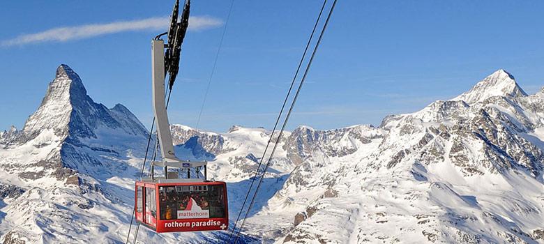 Gondelbahn Rothorn paradise vor dem Matterhorn