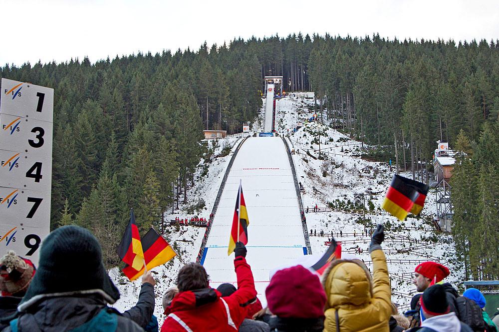 Skisprung Weltcup an der Hochfirstschanze in Titisee-Neustadt