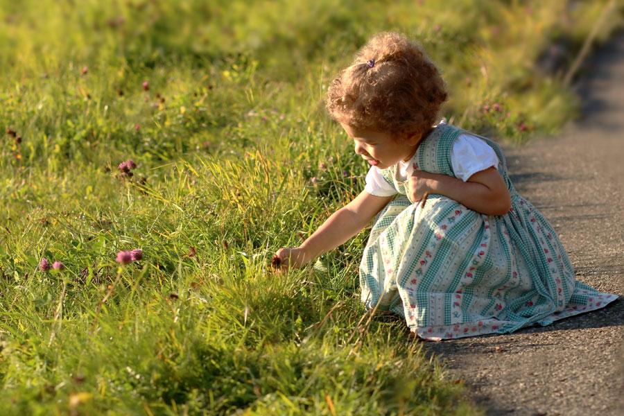 Kleines Mädchen im Dirndl