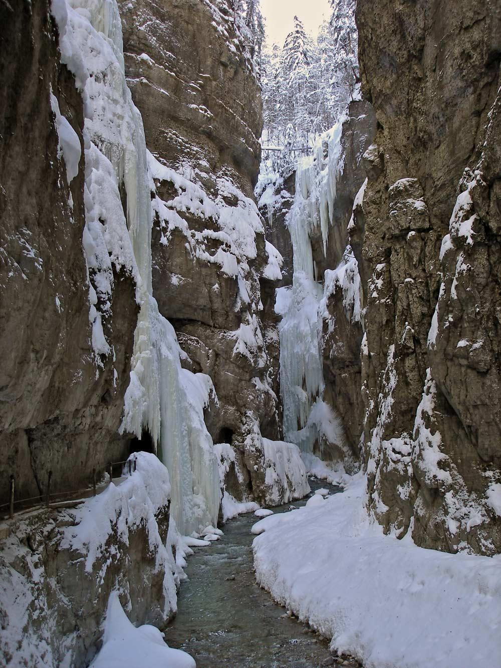 86 Meter bringt die größte Felswand mit sich