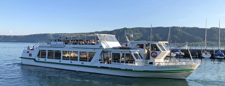 Schiff von Schifffahrt Deinis auf dem Bodensee