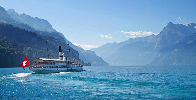 Schiff auf dem Vierwaldstätter See