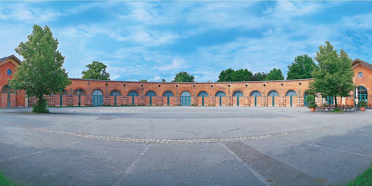 Ausstellungszentrum Lokschuppen © Stadt Rosenheim / Foto: Müller
