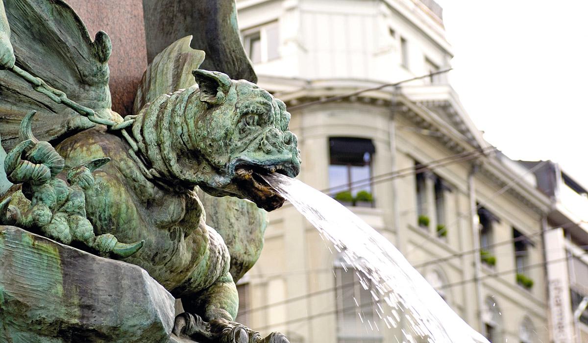 Wasserspeier an der Alfred Escher-Statue in Zürich © Zürich Tourismus
