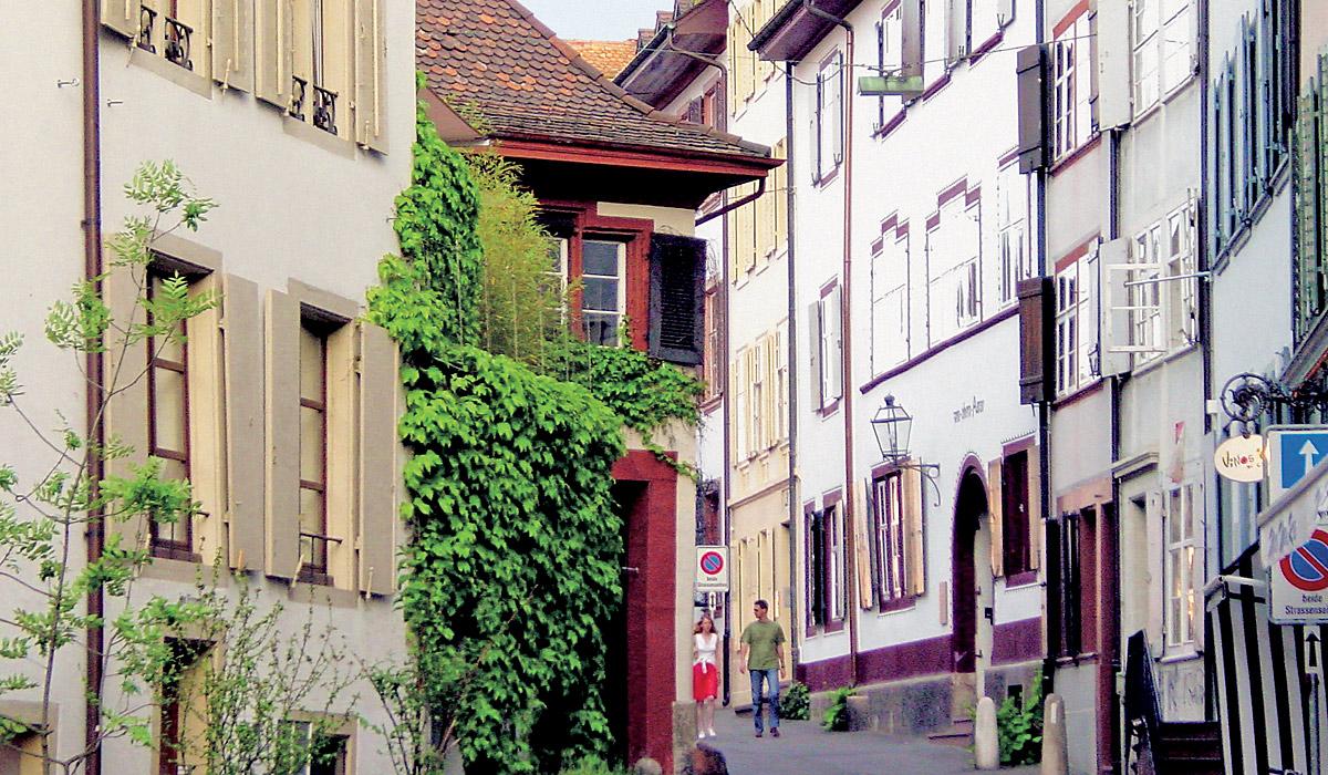 Altstadtgasse am Spalenberg in Basel © Basel Tourismus Foto: Daniel Petkovic