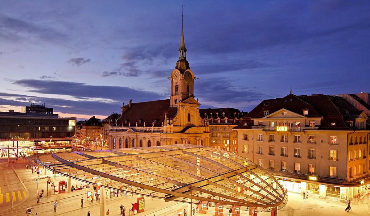 Der Bahnhofsvorplatz in Bern © Bern Tourismus