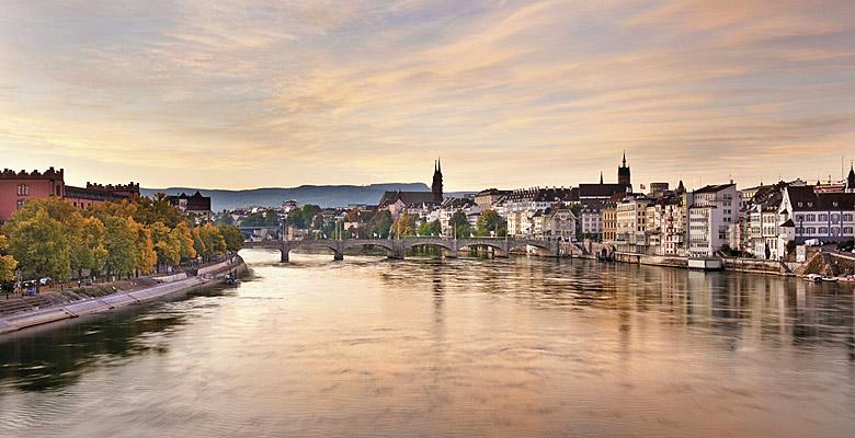 Blick auf Basel und den Rhein