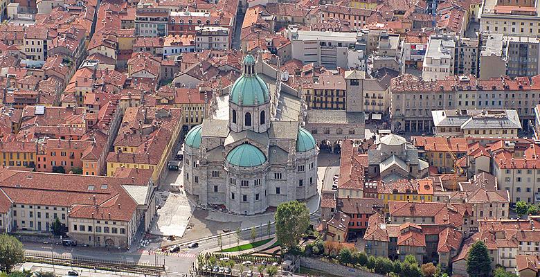 Blick auf den Dom und die Altstadt von Como