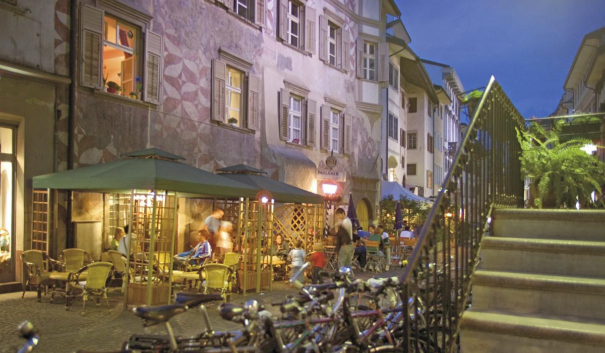 Abendstimmung in der Silbergasse © Südtirol Marketing / Ralf Kreuels