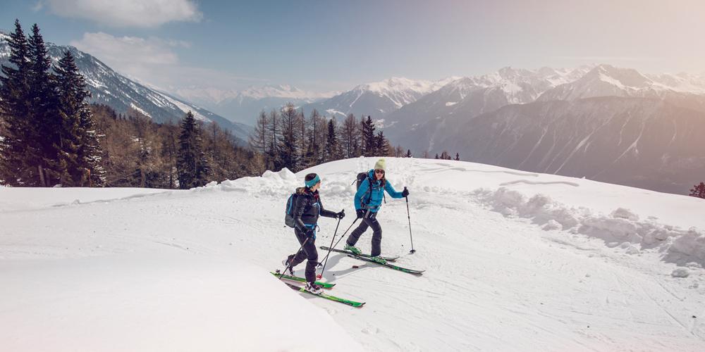Skitourengeher im Wallis