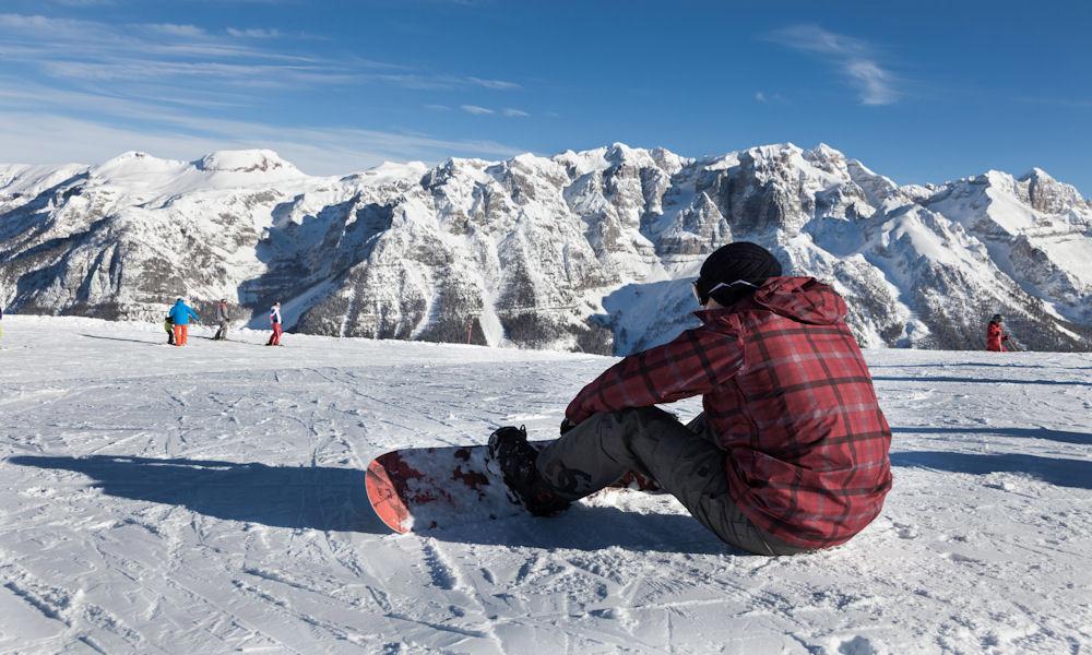 Beim Skifahren im Val di Sole – herrliche Aussichten  auf die umliegenden Berge