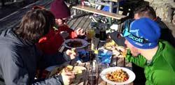 Lecker Essen in der Schneekar Hütte