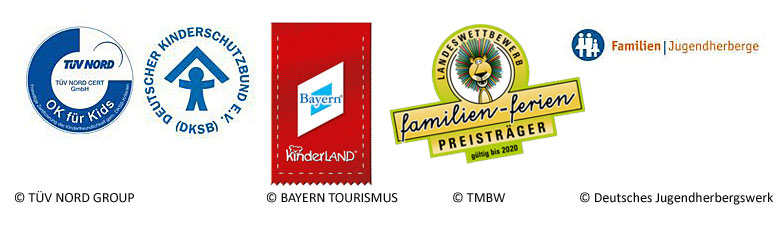 Logos der Gütesiegel für familienfreundlichen Urlaub