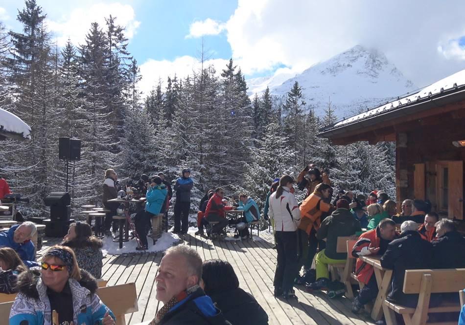 Eine kleine Pause im Skigebiet Nauders mit tollem Ausblick
