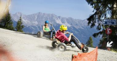 Mountaincartfahrer bei Innsbruck