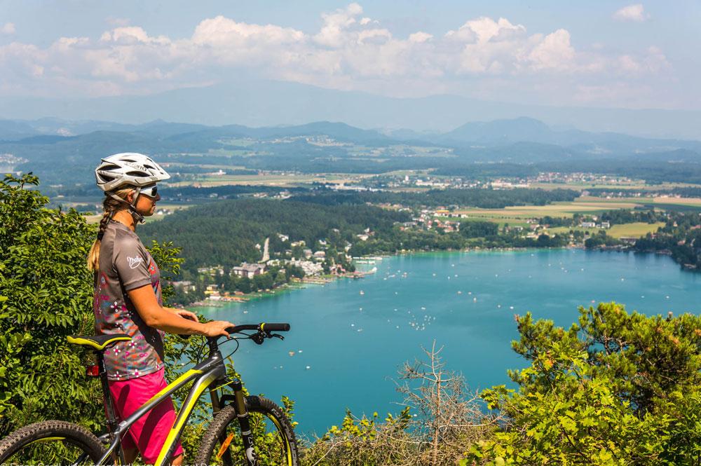 Bikerin bei der Kärntner Seenfitness am Klopeiner See
