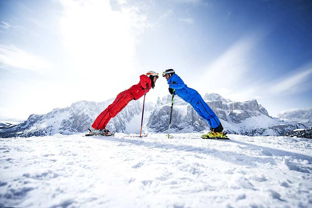 Skifahrer auf der Sellaronda © Andre Schoenherr