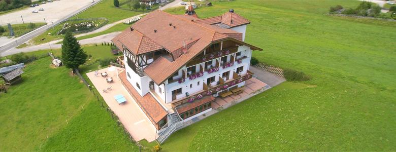 Blick auf das Hotel Peintner im Pustertal