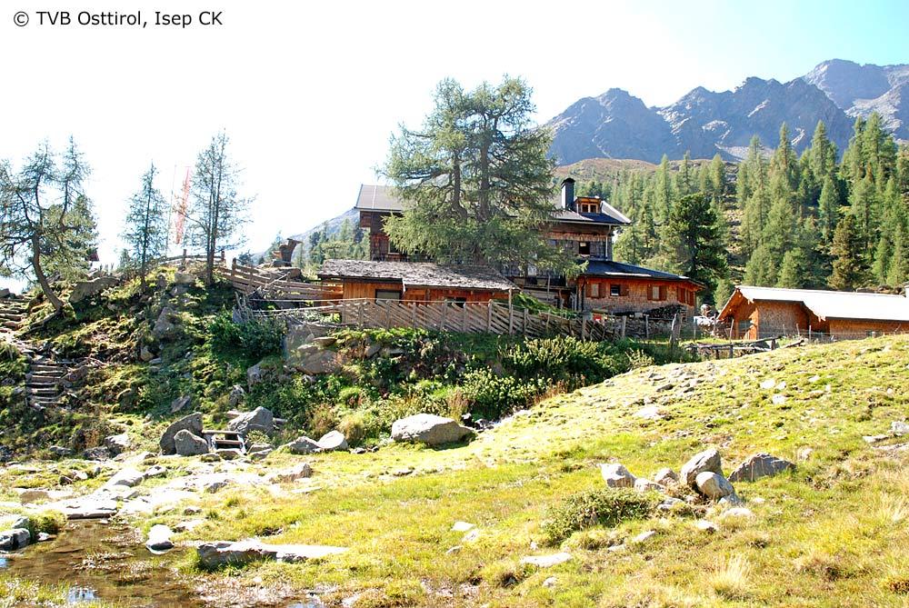 Blick auf die Lienzer Hütte bei Lienz