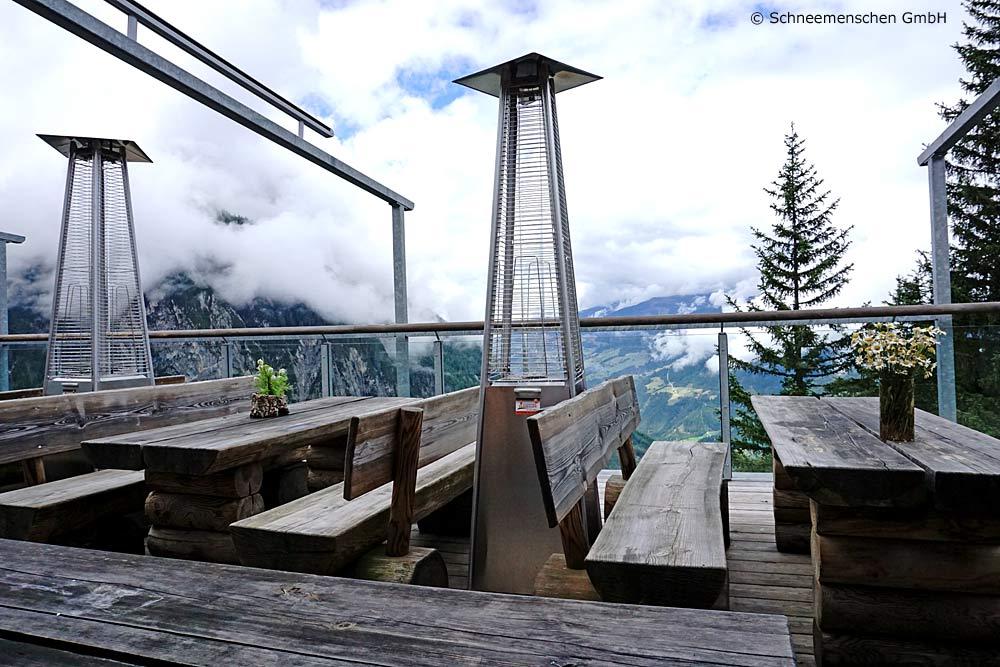Terrasse der Dolomitenhütte