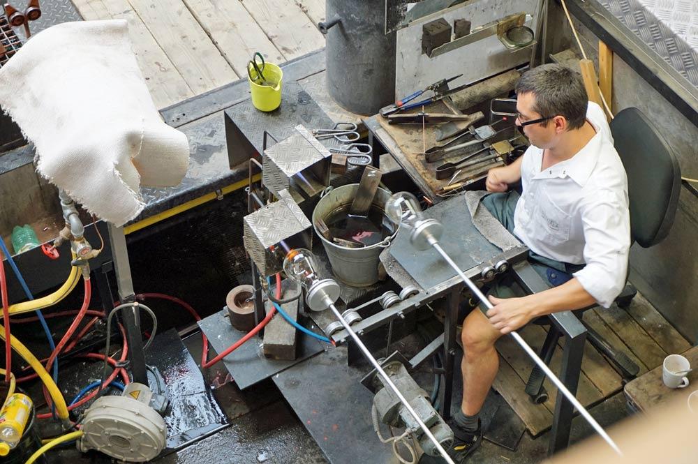 Vorbereitung des Sommelierglases vor dem Anbringen des Stiels