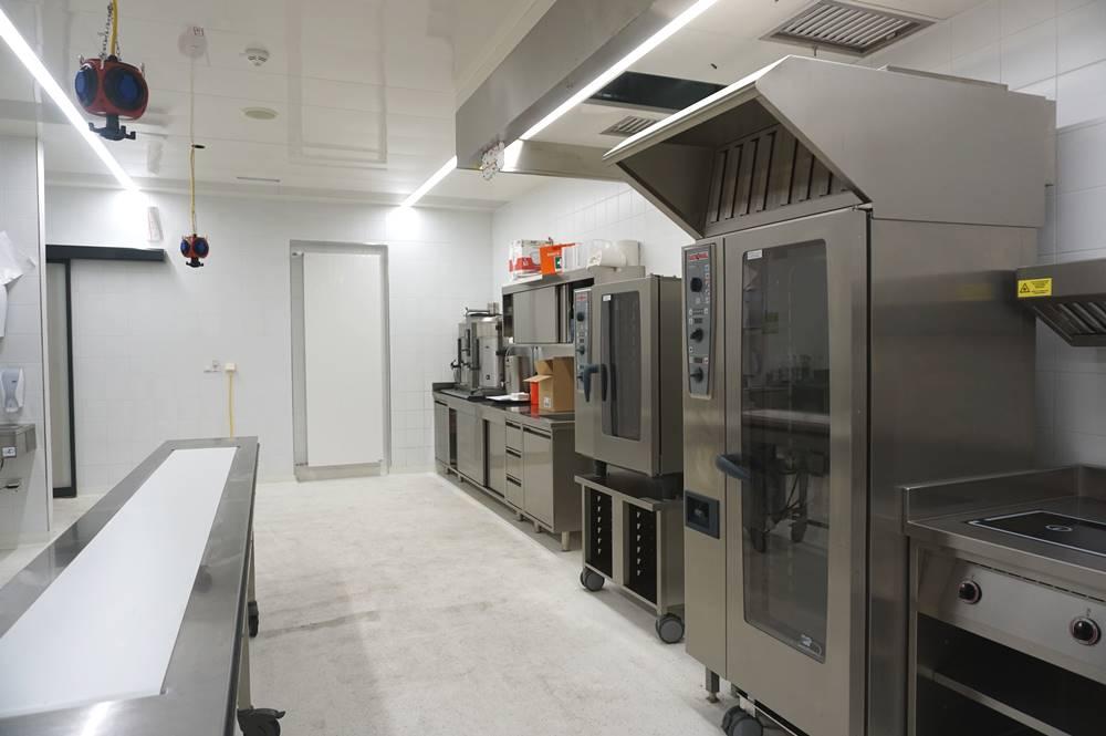 Blick in die Küche des Congress Centrums Alpbach