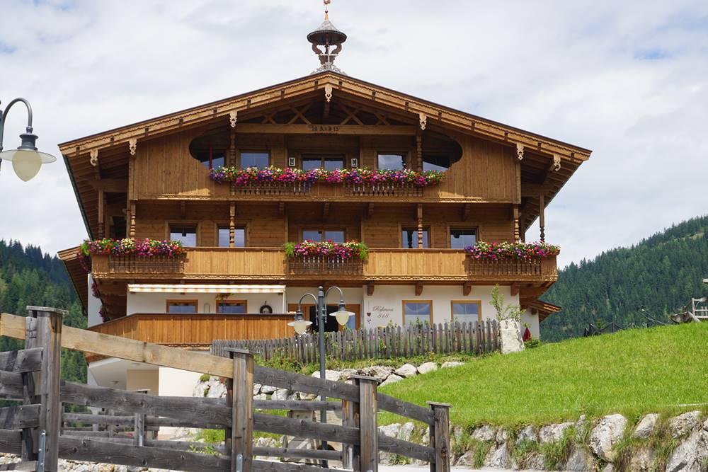 Neues Haus im alten Baustil in Alpbach