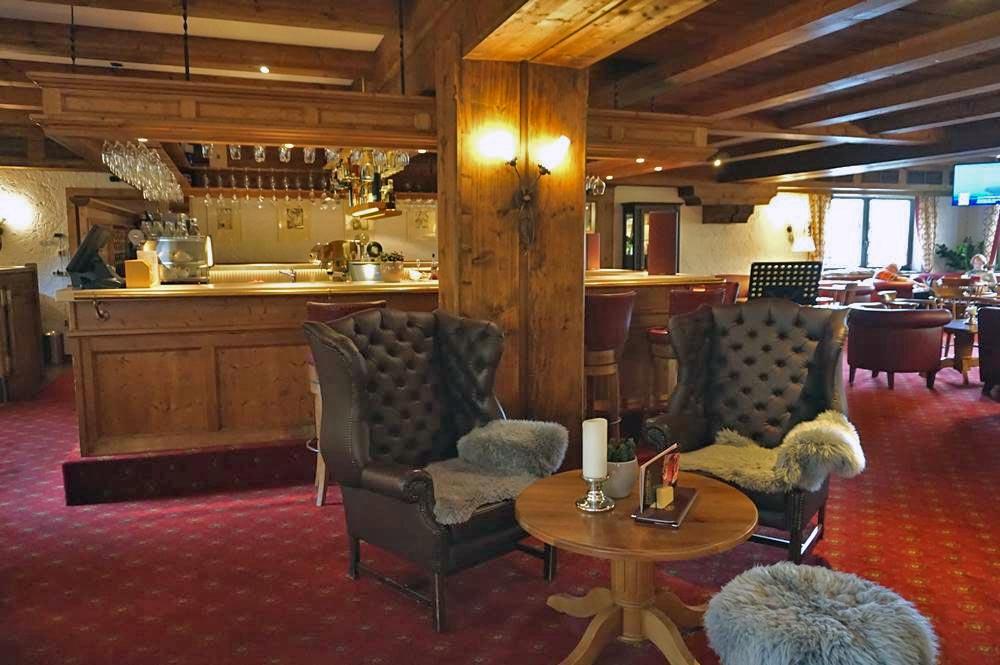 Sitzgruppe im Wohnzimmer des Böglerhofs in Alpbach