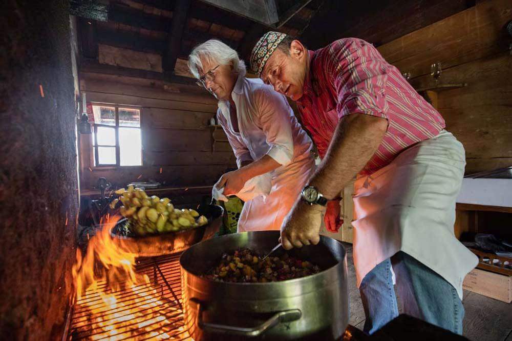 Eine der Kulinarikstationen des eBike your Life Festivals