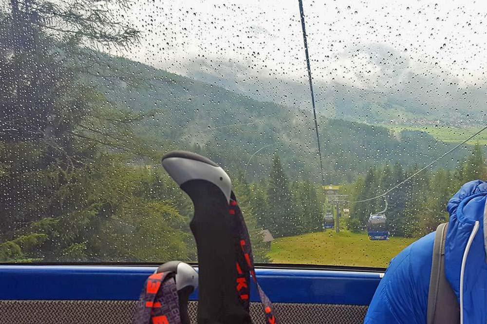 Fahrt mit der Ehrwalder Almbahn zur Bergstation