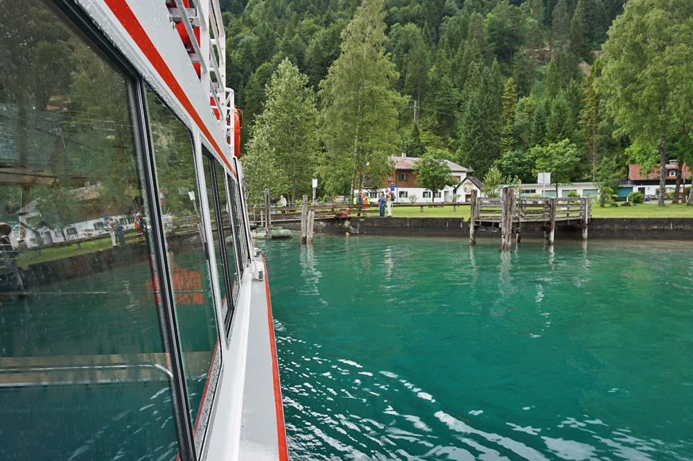 Fahrt mit dem Schiff zur Anlegestelle Forelle