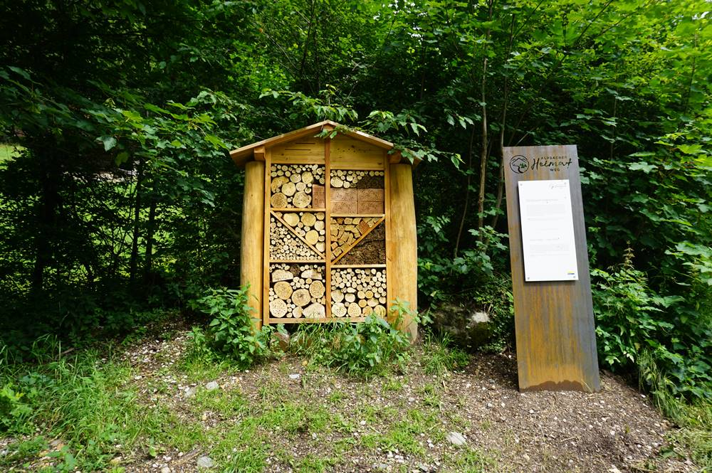 Insektenhotel der örtlichen Grundschule am Heimatweg in Alpbach
