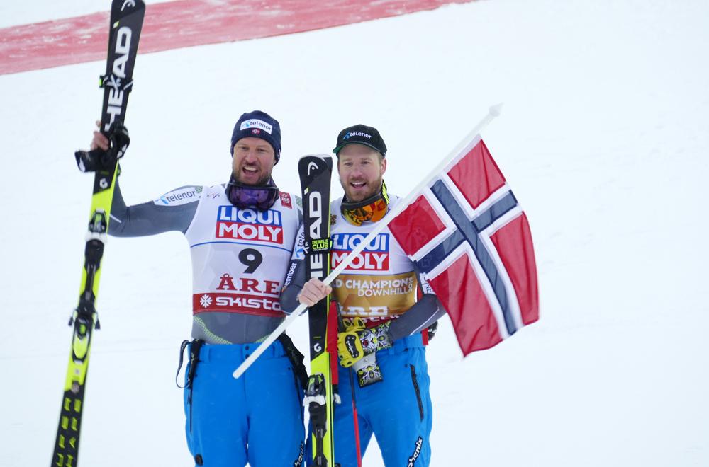 Aksel Lund Svindal und Kjetil Jansrud beim Jubeln im Ziel in Are