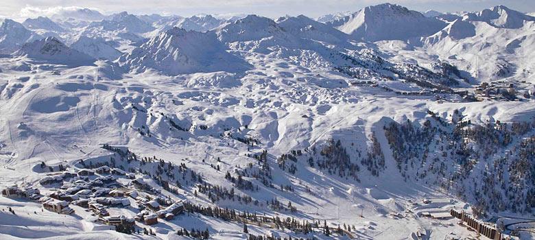Blick auf das Skigebiet La Plagne